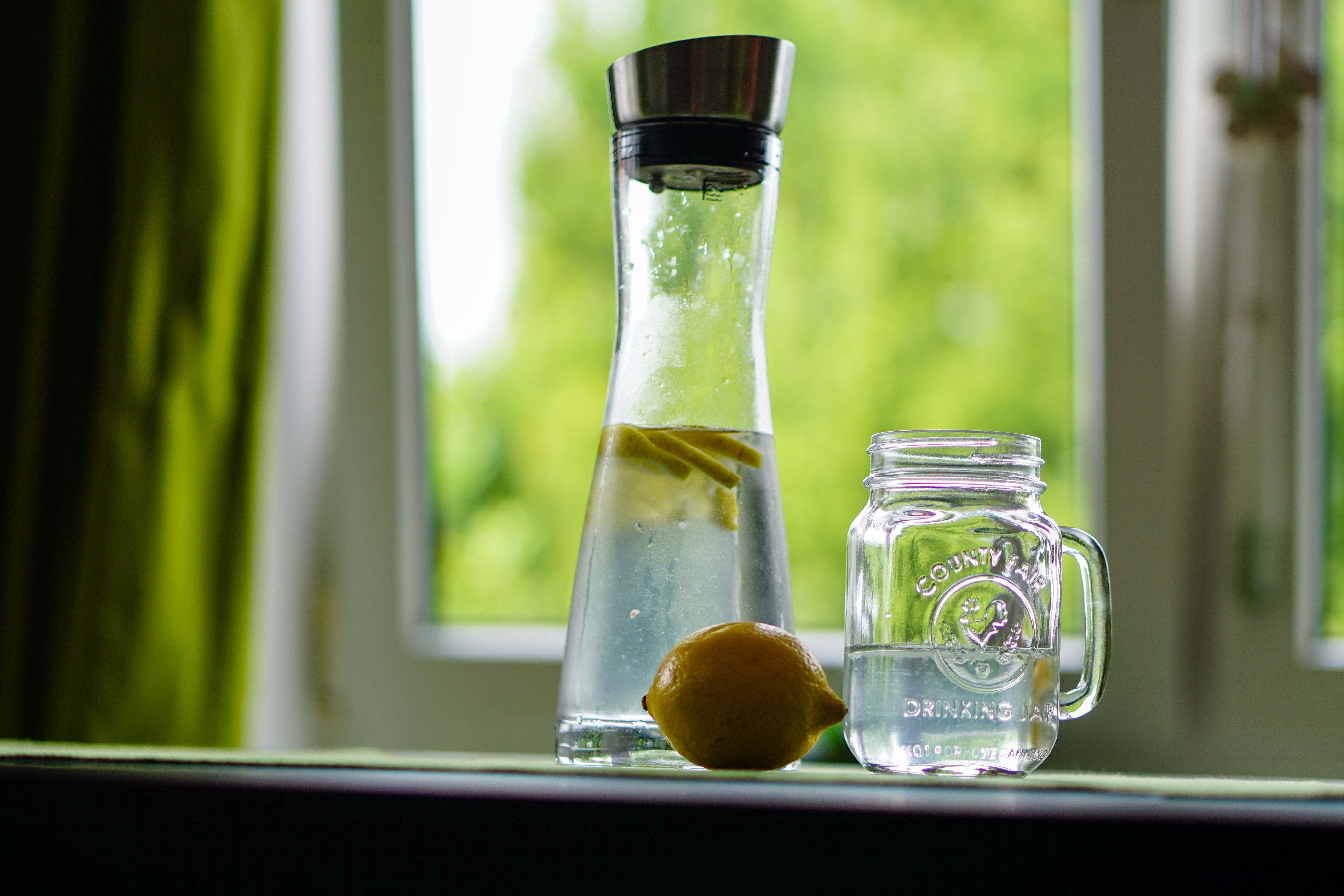lemon-water-refreshment-fruit-juice-162783.jpg